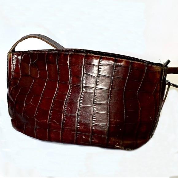 Gorgeous Francesco Biasia Leather shoulder purse